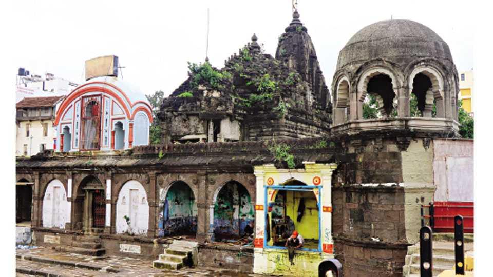 नाशिक - 'सकाळ-कलांगण'चा उपक्रम ३० जुलैला सकाळी आठला रामसेतूजवळील नारोशंकर मंदिरात होत आहे.