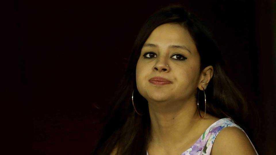 Dhonis Wife Sakshi Applies for Gun Licence