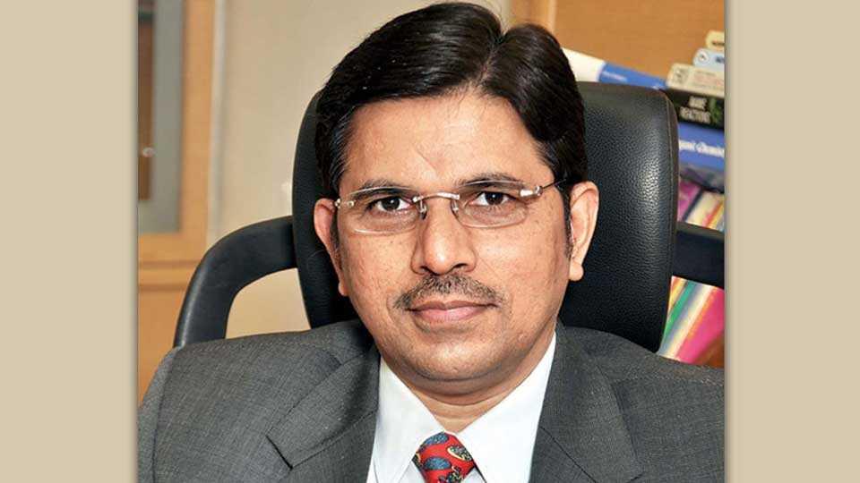 Pune Edition Editorial Expert Professor
