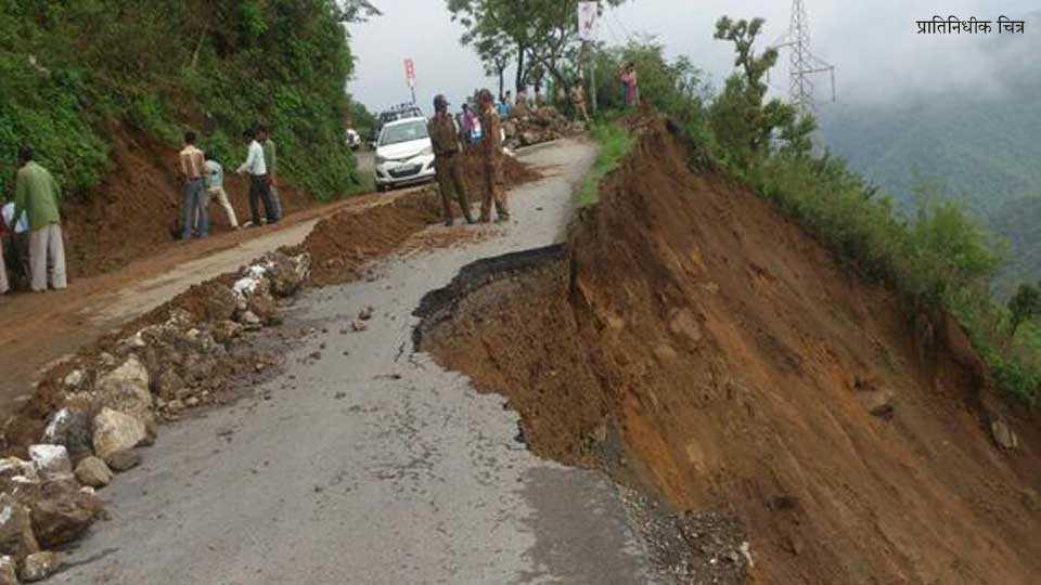 Landslide on Rishikesh-Badrinath; no one stranded