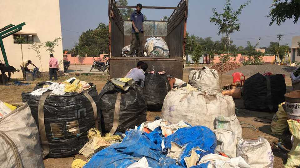 marathi news marathwada garbage issue police action