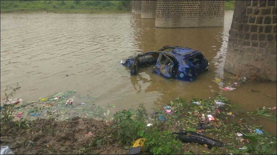 यवतमाळः पैनगंगा नदीवर अपघात; तीन मृत्युमुखी