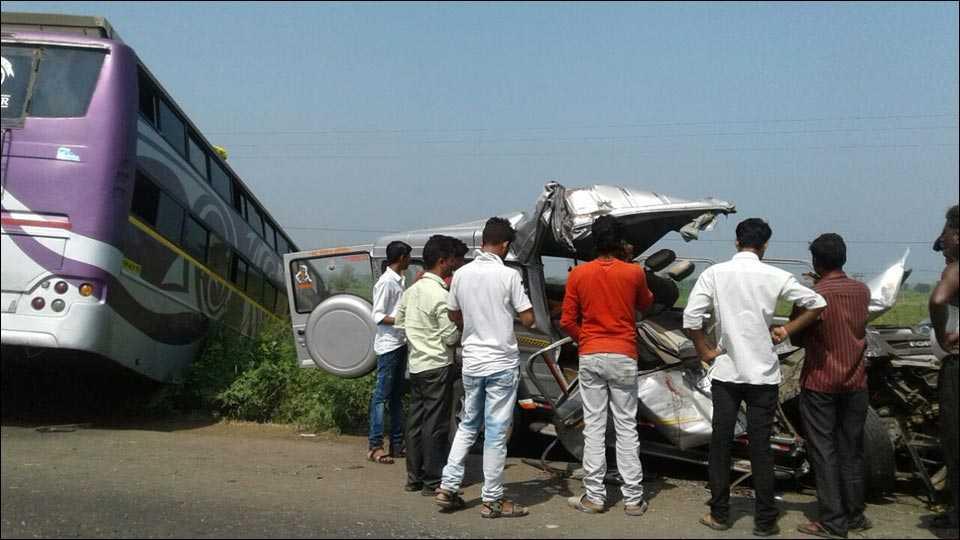 नांदेडमधील वाहनाला अपघात; चार ठार सात जखमी