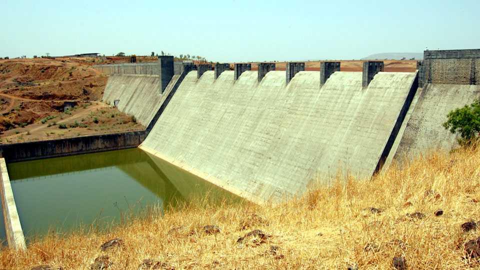 Andra Dam in maval