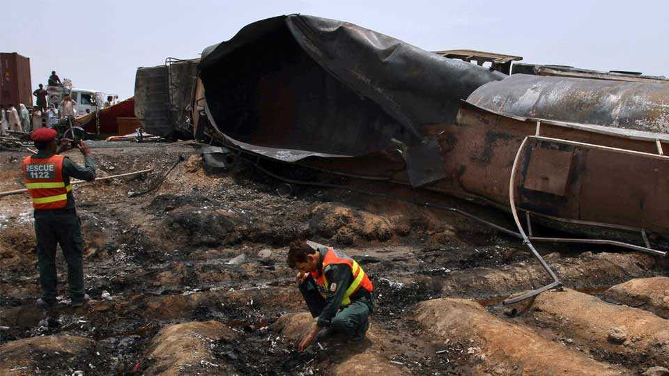 pak tanker blast india news marathi news blast news