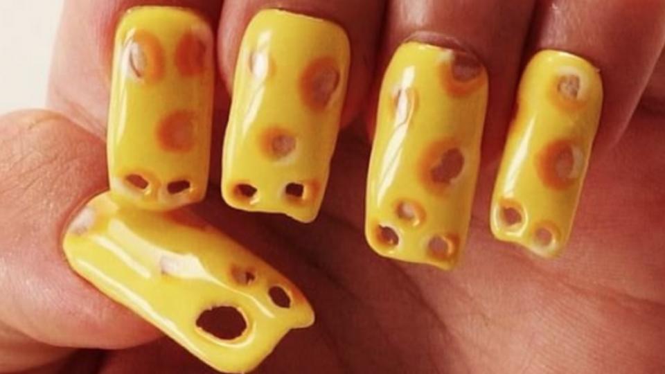चूझी तरुणींसाठी चीज नेल