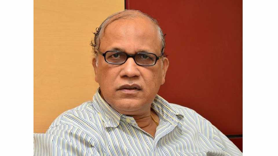 MLA Digamber Kamat inquired by the SIT