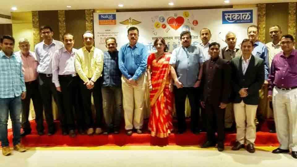 Honor to doctors by Sakal at sangali