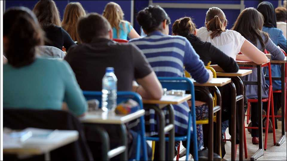 student takes selfie in exam hall, barred for 2 years (file photo)