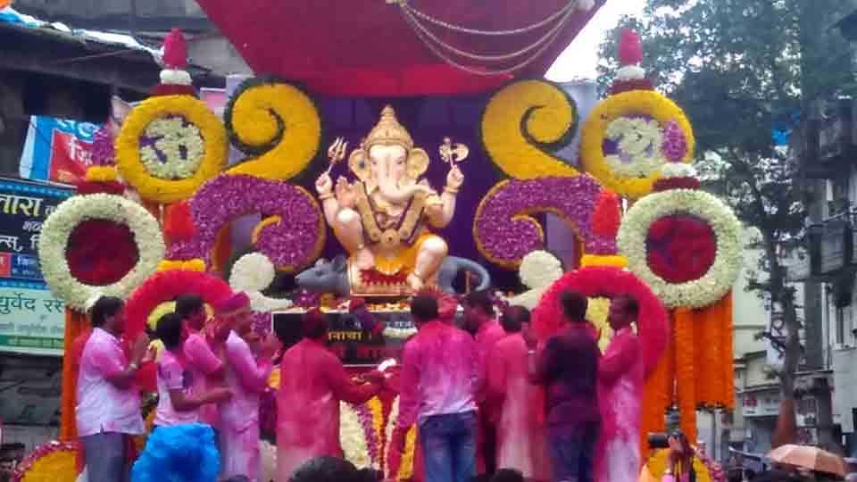 These are five special things of Guruji Talim Ganapati Mandal
