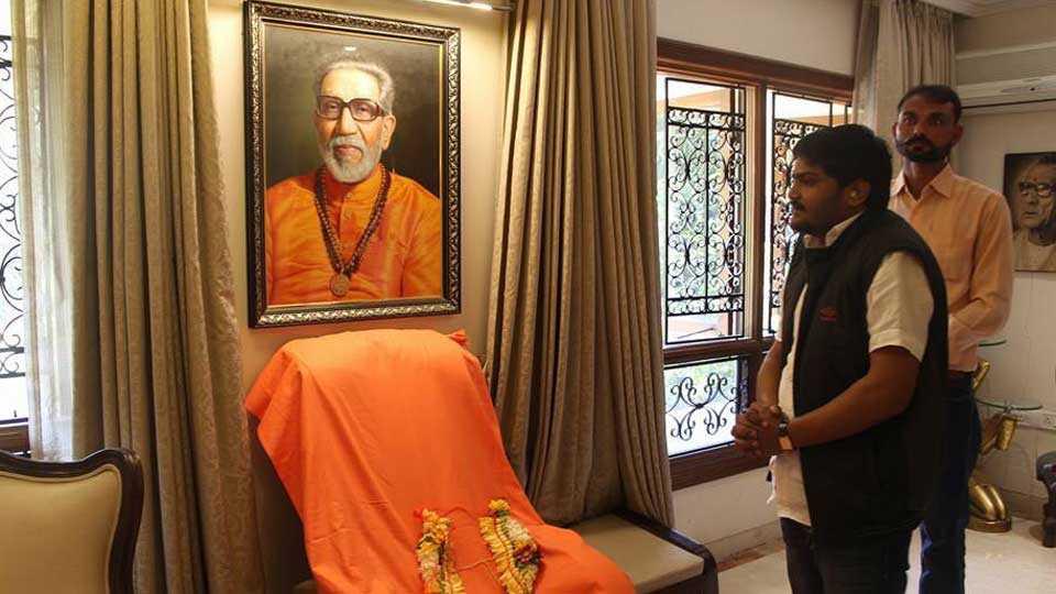 hardik patel will be shiv senas face in gujarat polls says uddhav thackeray