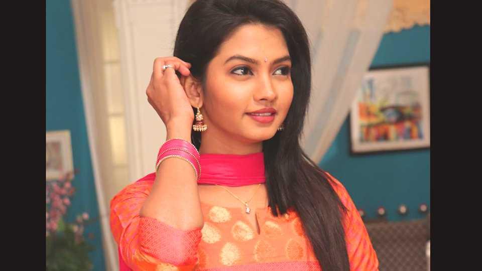 meera joshi kulswamini star prawah esakal news