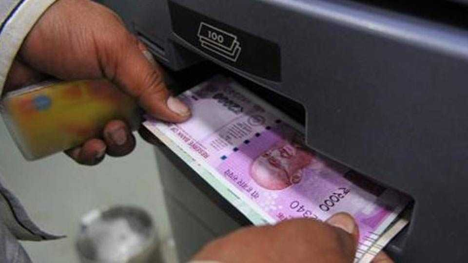 RBI removes limit on cash withdrawal, banks go back to pre-demonetisation era