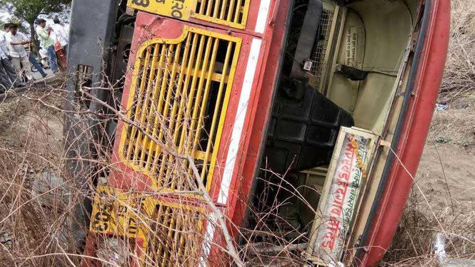 nanded news marathawada news marathi news bus accident two killed