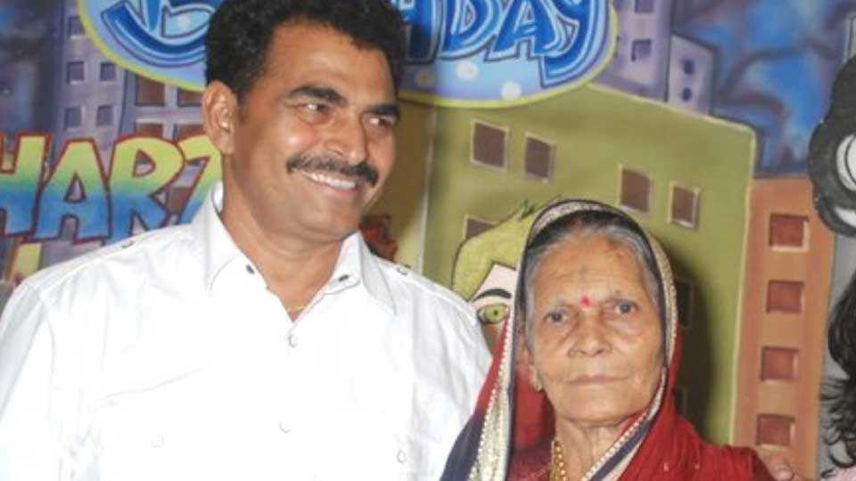 sayaji-shinde-mother