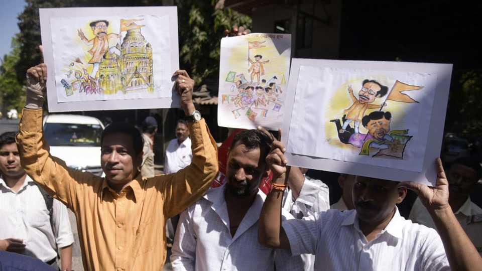 #VoteTrendLive Shivsena gains in Mumbai