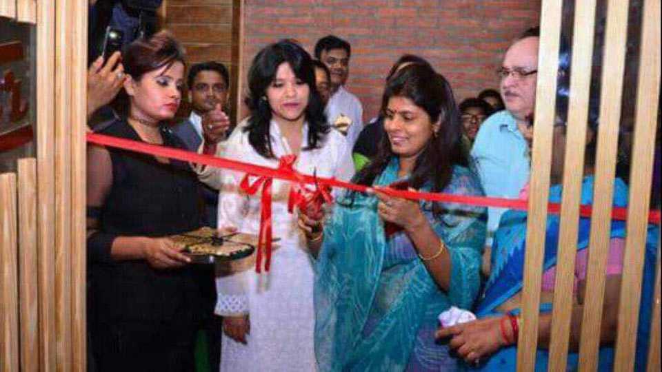 UP Minister Swati Singh inaugurates beer bar