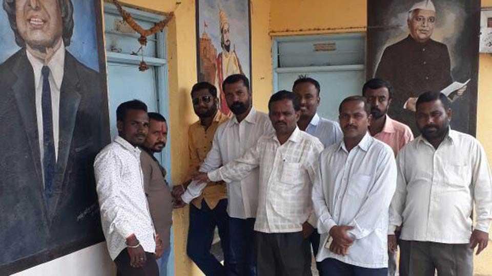 parents agitation against school in umbraj