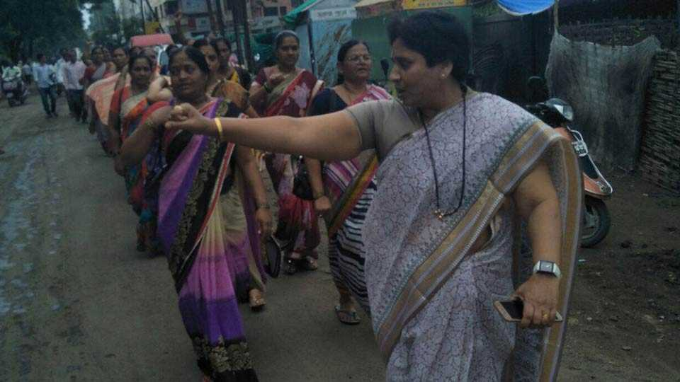 women agitation in Buldhana