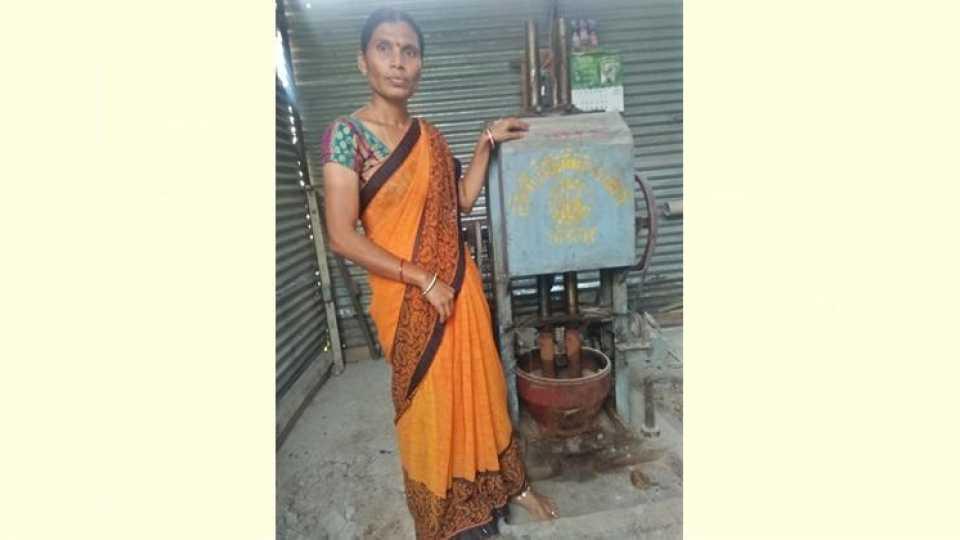 Agriculture success story in Marathi Bharati Patil Utkarsh Brand