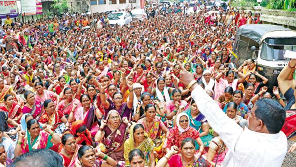 Marathi news analysis Anganwadi workers not happy