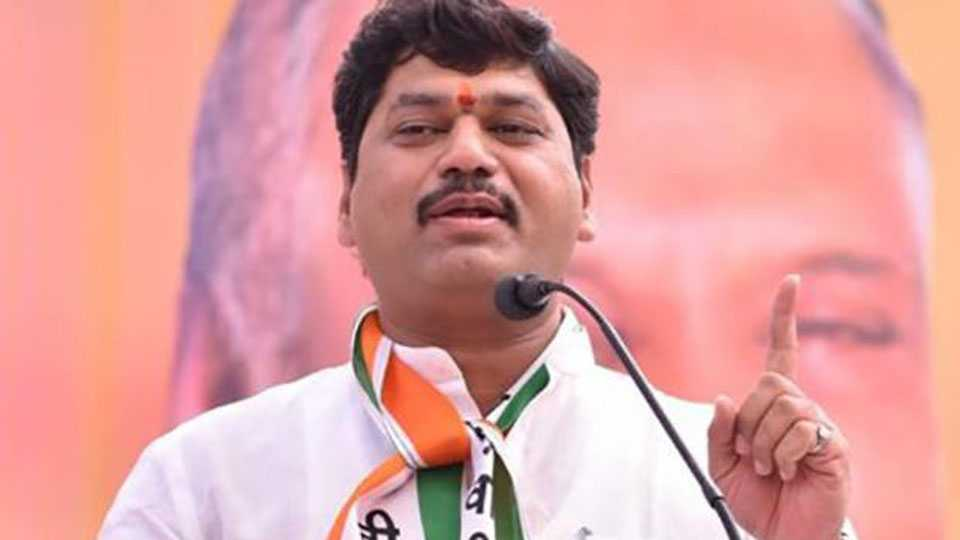 if they go to madhuri dixit then we will go to the workers says Dhananjay Munde