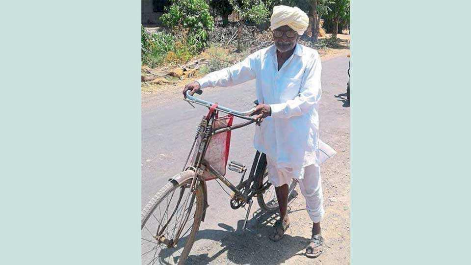 रामापूर - येथील गणपती यादव (सायकलवाले मामा).