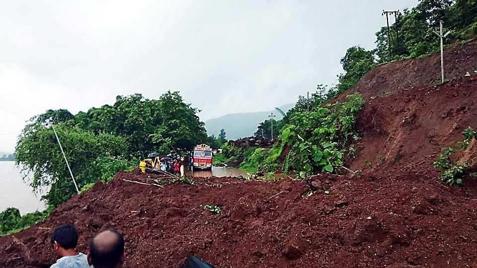 Landslide on Mumbai Goa express way