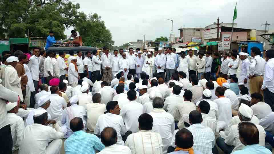 Rasta roka agitation of landless farmers at Kukana nagar