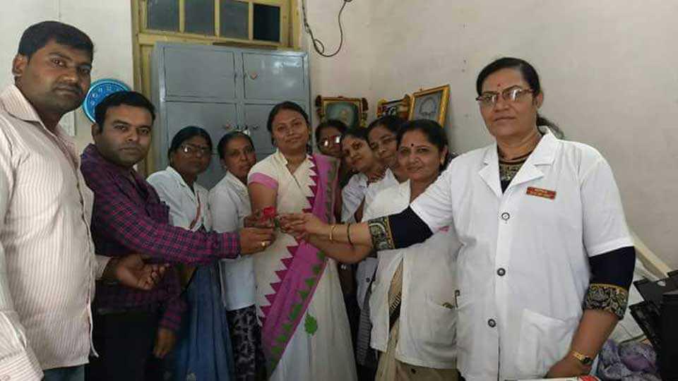 Akola Nurses gives World nurses day wishes