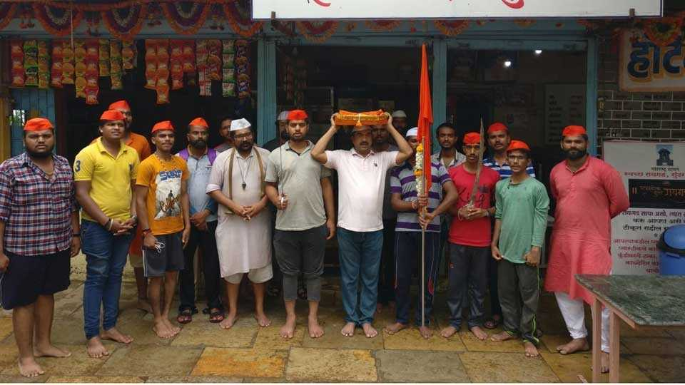 Shivaji maharaj's  Paduka take on head and go to the warri