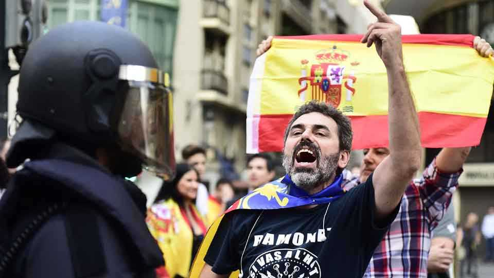 Marathi blog Vijay Naik writes about Kurdish Catalonia protests