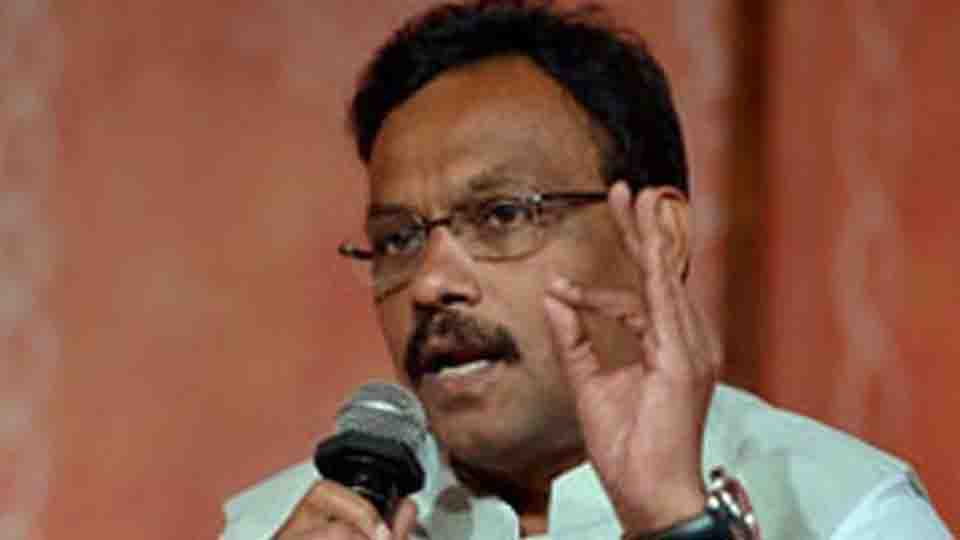 Open house to book says Vinod Tawde