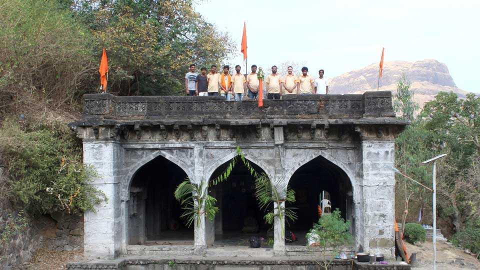 Mulher fort Gudhi padwa