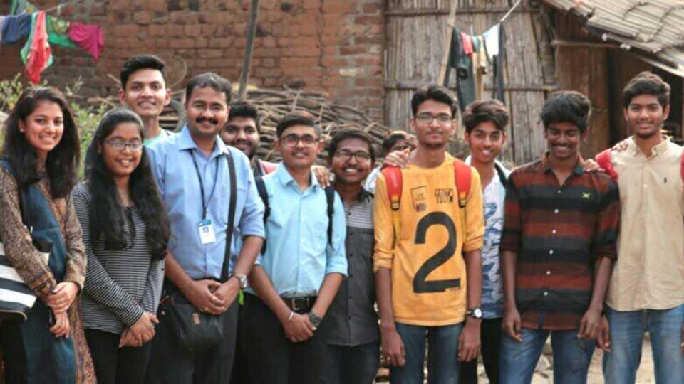 amity university mumbai students done good activity