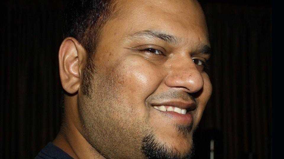 cartoonist  as career : abhijeet kini