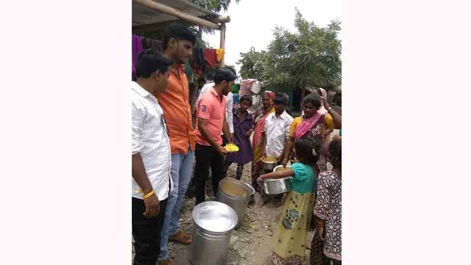 second movement of Robin Hood in Akkalkot against Hungry victims Problem