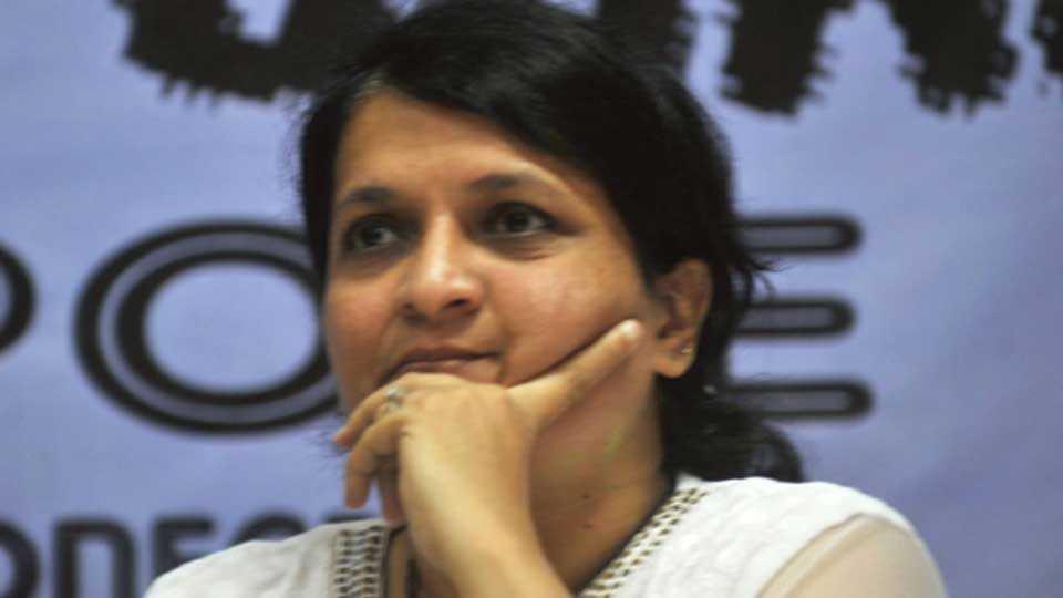 Uddhav Thackeray driver on 'kambata' pay role says anjali damania