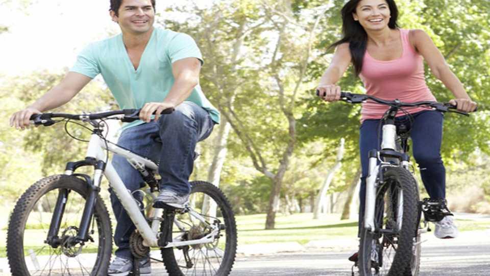सायकलस्वार सर्वाधिक आनंदी...