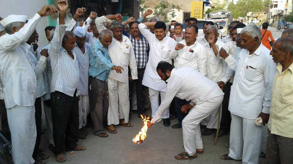 farmers agitation against government