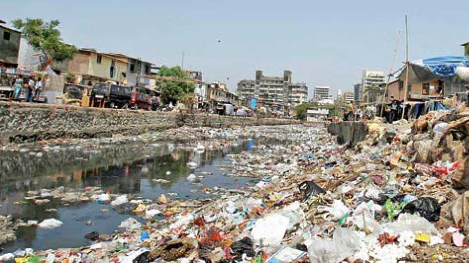 full garbage under in drainage in kurla
