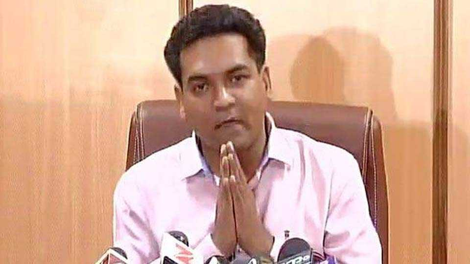 Kapil Mishra begins AAP clean-up project, launches missed call campaign