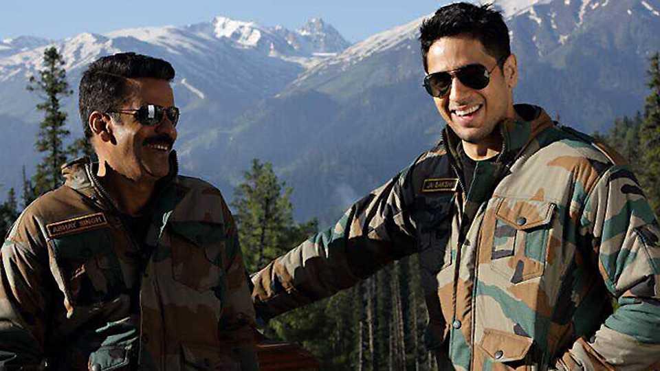 Sidharth Malhotra & Manoj Bajpayee Wrap Up Aiyaary's Kashmir Schedule