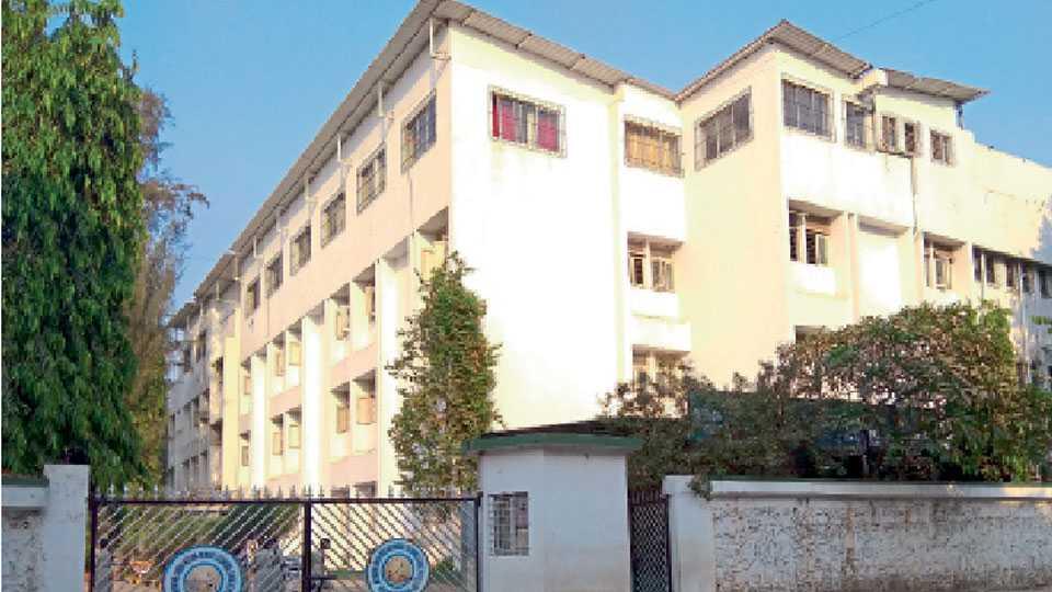nerul-gandhi-school