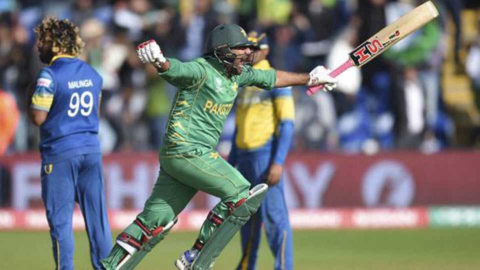 Champions Trophy: Pakistan beat Sri Lanka to set up England semi-final