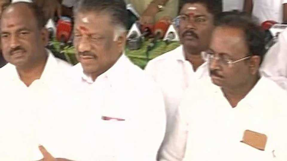 Setbacks continue for Sasikala camp as 10 MPs join OPS