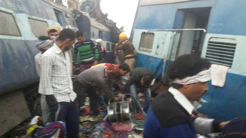Patna-Indore Express derail