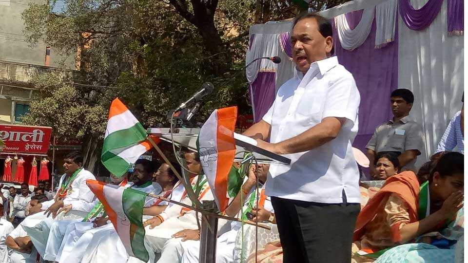 Narayan Rane criticize Devendra Fadnavis