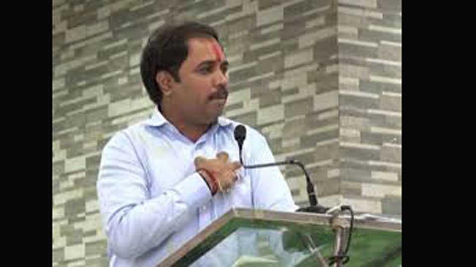 Guardian minister Sambhaji patil nilangekar criticizes Shivsena