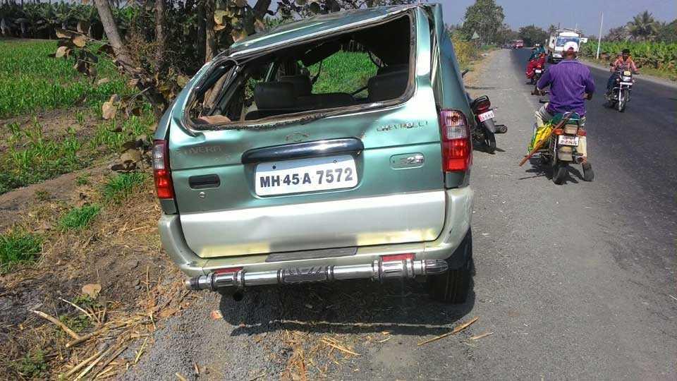 Sadabhau Khot family's car accident
